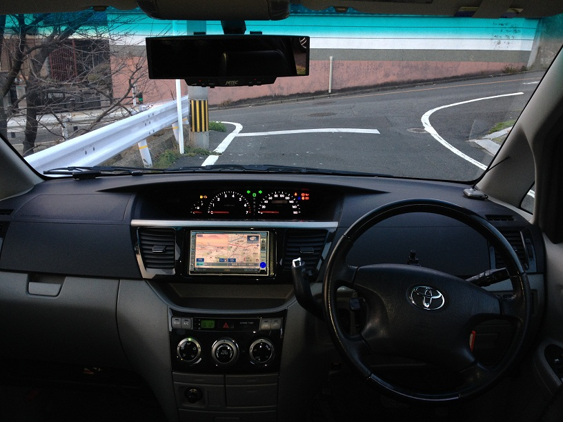 トヨタ voxy 2.0排量 7座自动门商务车