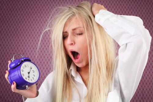 为什么睡得多反而会更累?