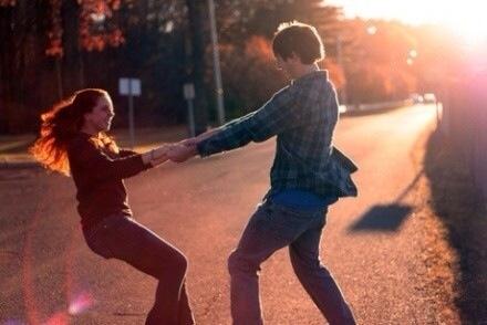 多少夫妻在婚姻的竞技场上,耗尽一生地做彼此的差评师