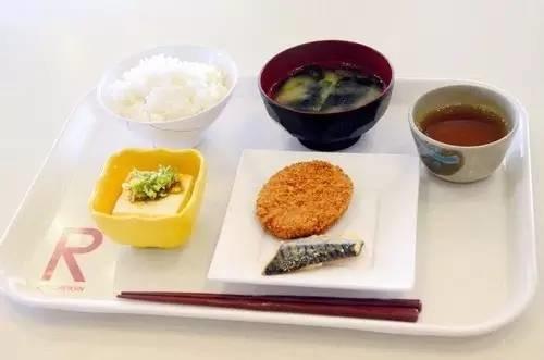 【文化】100日元日本大学食堂大家感受一下