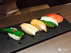 谁说夏天不能吃火锅,清新的柚子火锅和寿司一起吃个饱