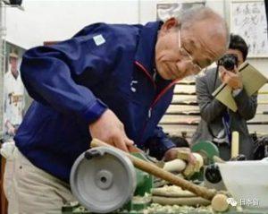 毕业于日本一流大学,努力工作30年,最后,他却连房贷都还不起......