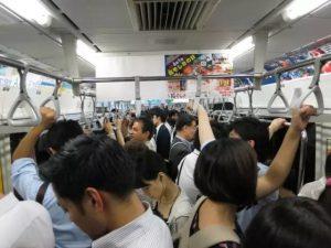 年轻人到底是在日本的生存压力大还是在中国压力大?