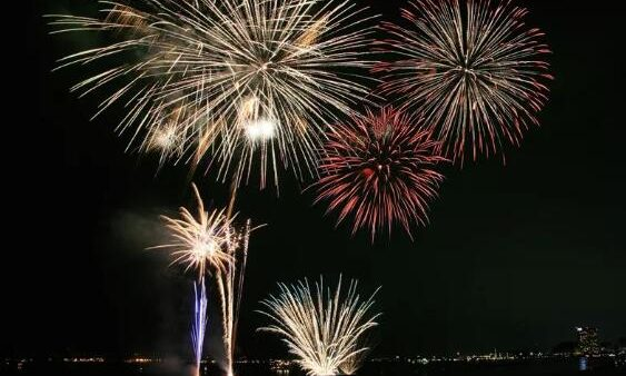 福冈市的花火大会当地人才知道的情报,8.9月看这一篇就够了。早准备不怕人多
