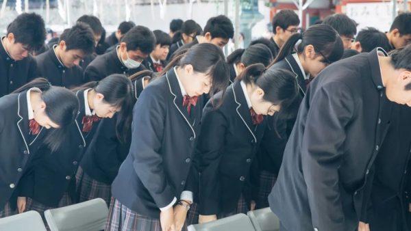 """高考一招过!日本考生都去这里""""临时抱佛脚"""""""