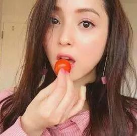 """日本""""少女脸""""妆容大揭秘,化妆品自然是少不了,除此之外呢?"""