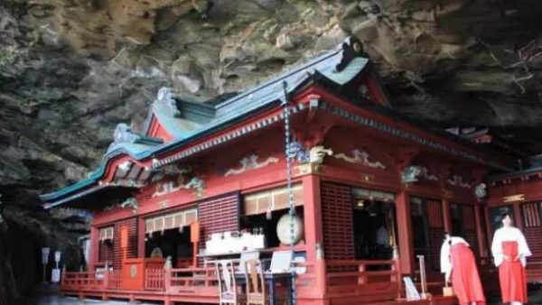 【日本九州自由行之宫崎】绝景「鹈戸神宫」,建造在海边洞窟的神社。