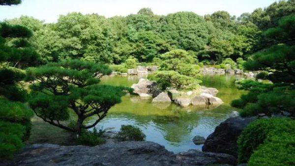 【福冈经典观光线路】在闹市街中偶遇静谧时光,日式庭院原来离我们这么近