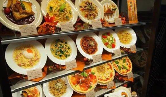 经常在日本饭店门口看到的食物居然都是模型?看到制作过程有点佩服