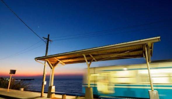 因「千与千寻」爆红的海中列车,竟然就在这里!